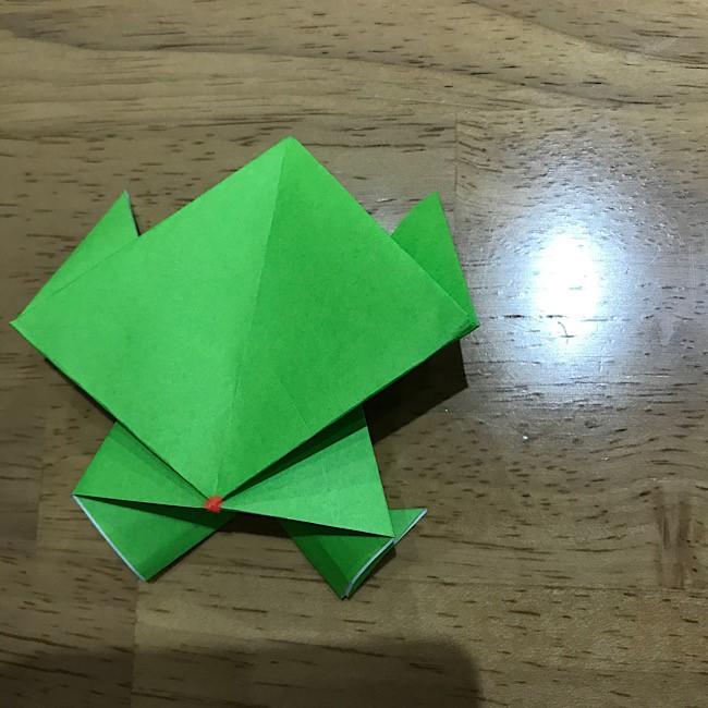 カエル 折り紙 ぴょんぴょん